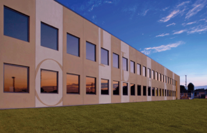 Installations Prefast High Performance School Buildings